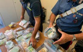 Avevano 500 mila euro nei bagagli, denunciati due giovani sardi