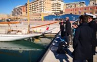 L'onorevole Ferraresi visita la Capitaneria di Porto