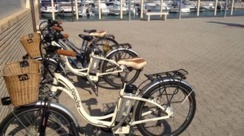 Porto interdetto alle due ruote, la protesta dei possessori di bici