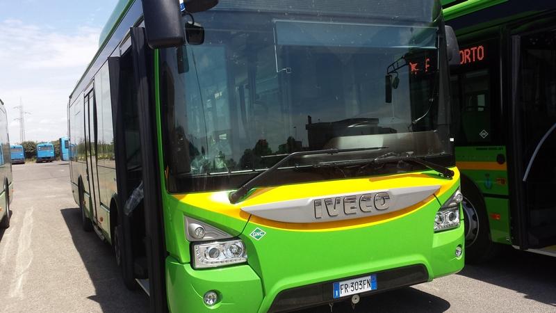 Nuovi bus, dei dieci arrivati quattro sono ai box