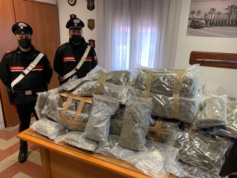 Nascondeva 60 kg di marijuana, trafficante arrestato dai Carabinieri