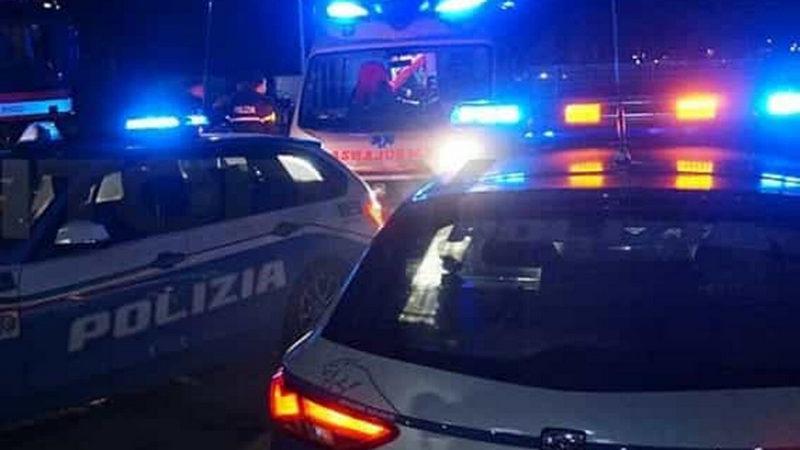 Incidente sull'Aurelia con auto incastrata nel guard rail: grave il conducente