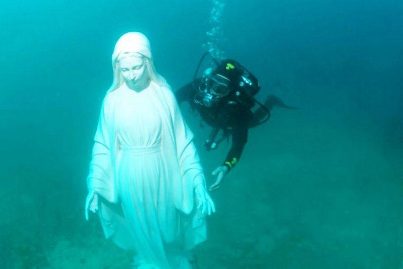 La statua della Madonna del Mare torna in acqua