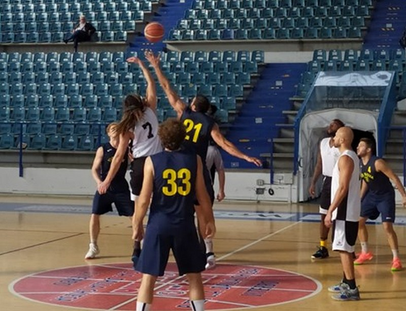 Basket, Stella Azzurra-Ste.Mar posticipata di una settimana