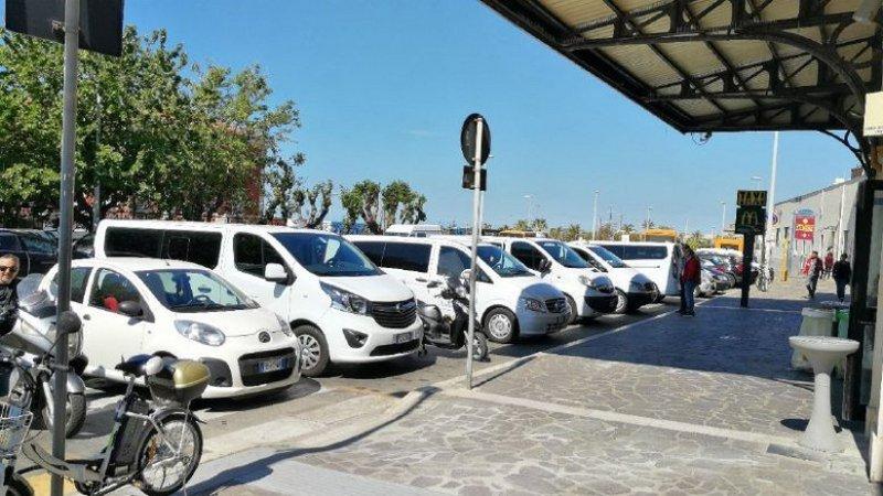 Protocollo d'intesa per taxi e ncc, tassisti di Civitavecchia contrari